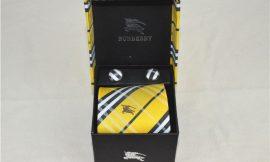 עניבות של BURBERRY