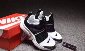 ? נעליים של NIKE ?