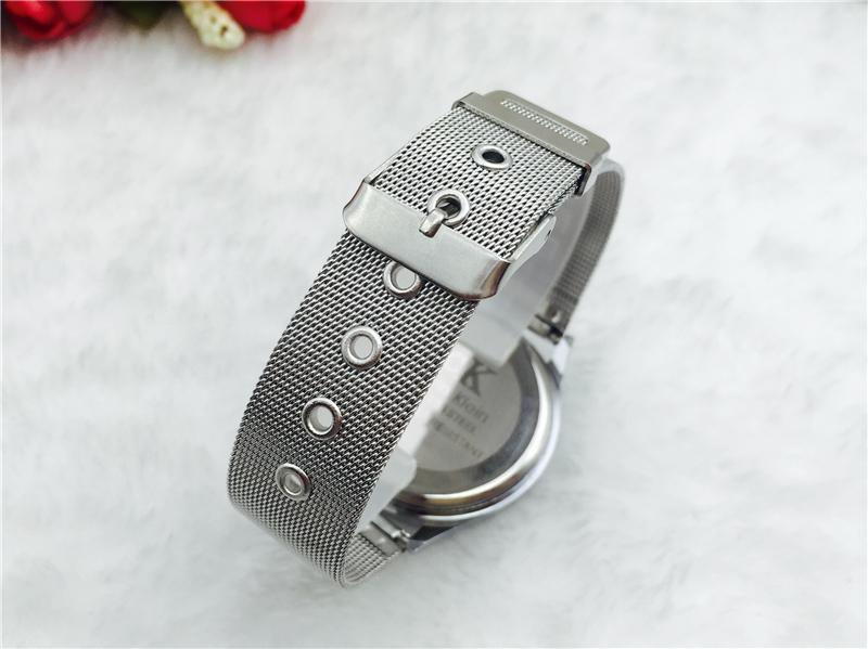 שעון של CALVIN KLEIN, שעון של קלוין קליין, שעונים לאישה, שעונים יפים, שעון לחברה, מתנה ליומהולדת לאישה