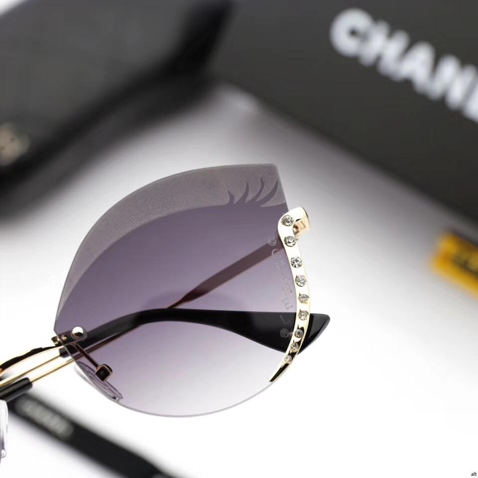 משקפי שמש חדשים, מקשפי שמש אופנתיים, משקפי שמש לנשים, משקפי שמש 2018, משקפי שמש של שאנל, משקפי שמש של CHANEL